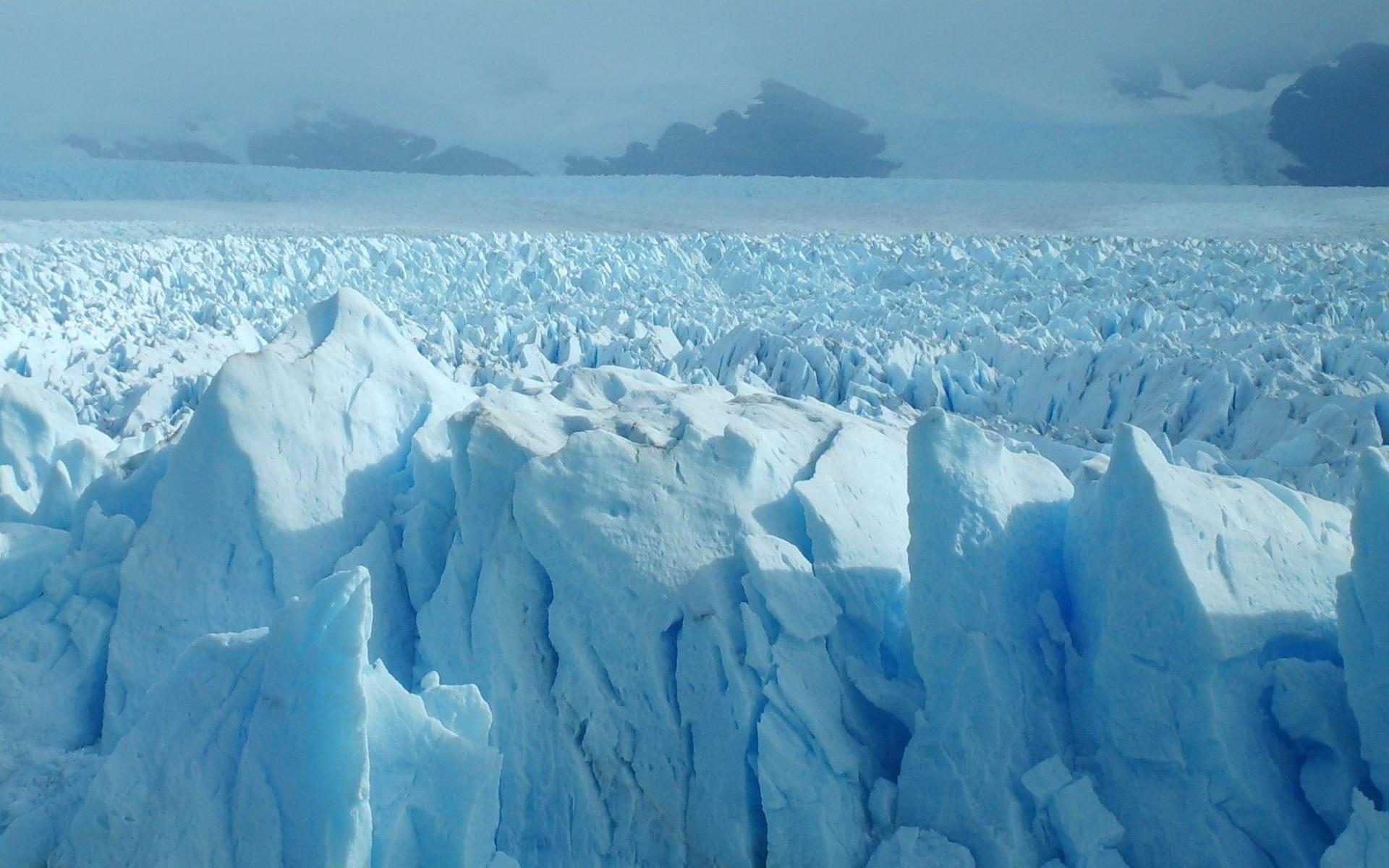 Пласты арктического льда