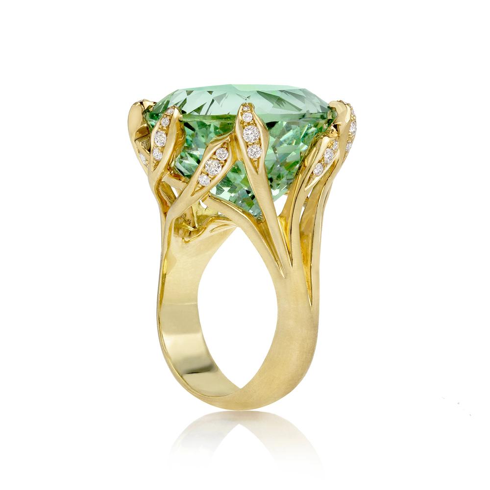 Золотое кольцо с бериллом